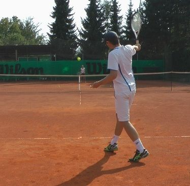 How to control the ball in tennis