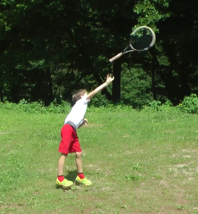 throwing a racquet for biomechanics