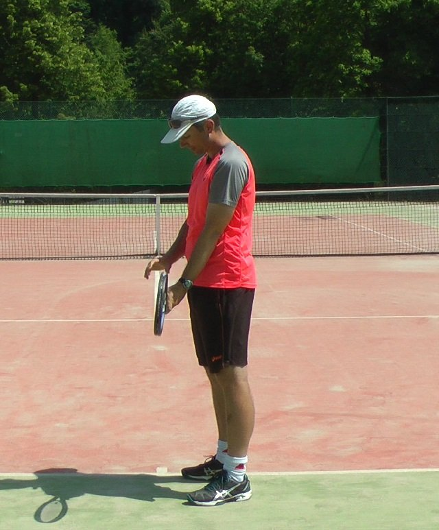 finding a two-handed backhand grip