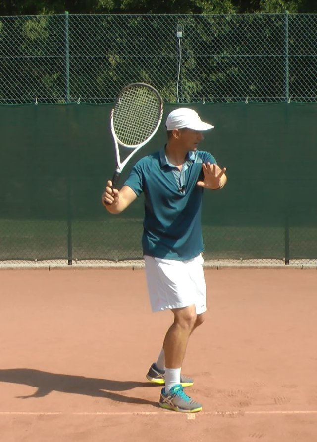 preparing for the forehand