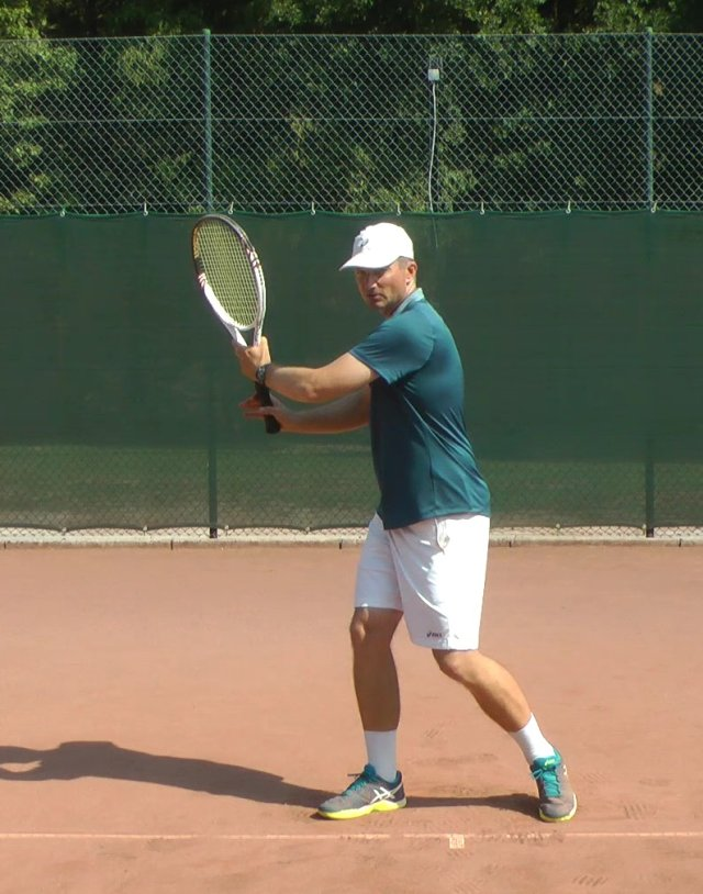 forehand unit turn