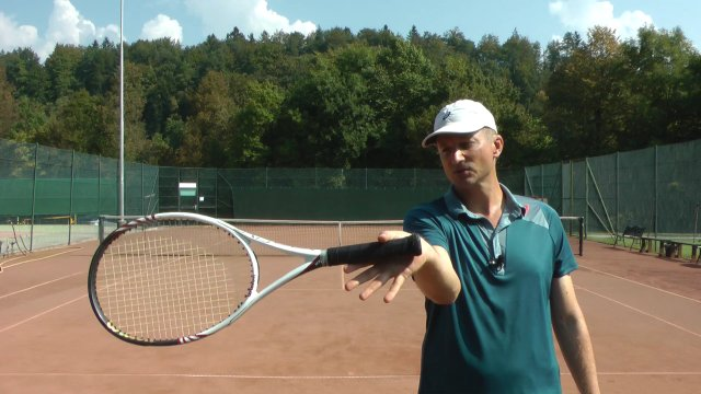 role of fingers in the forehand grip